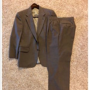 Oscar de la Renta men's suit